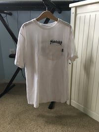 white Trasher/Vans girls T shirt Port Moody, V3H 3X4
