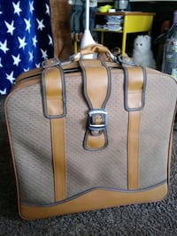 Selling a nice big suit case