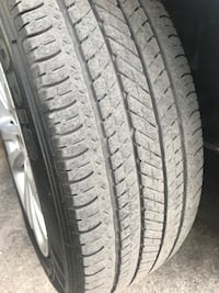 Rims and tires 2016 Chrysler 200 North Miami Beach, 33162