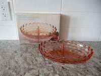"""*Vintage* Indiana Glass American Whitehall 7"""" x 10"""" 2 Part Relish Dish. No chips/cracks with Original Box. Box Does have some wear/marks.  Morinville"""