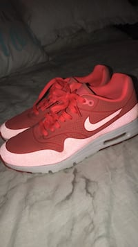 Red-pink-and-gray nike air max series