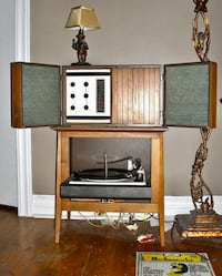 Mid-Century Modern General Electric Record Player and Radio Oklahoma City, 73106