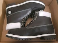 pair of black Timberland work boots with box Washington, 20007
