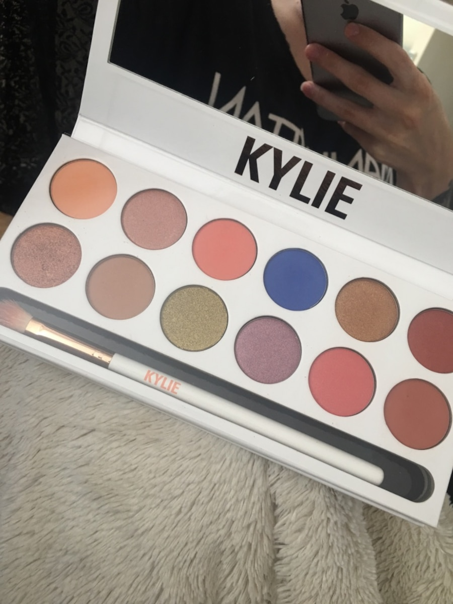 Royal peach palette fra Kylie cosmetics - Norge