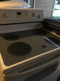 Electric white stove works great Riverview, 48193