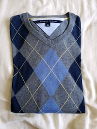 blue and gray plaid print sweater New Westminster, V3L 3L5