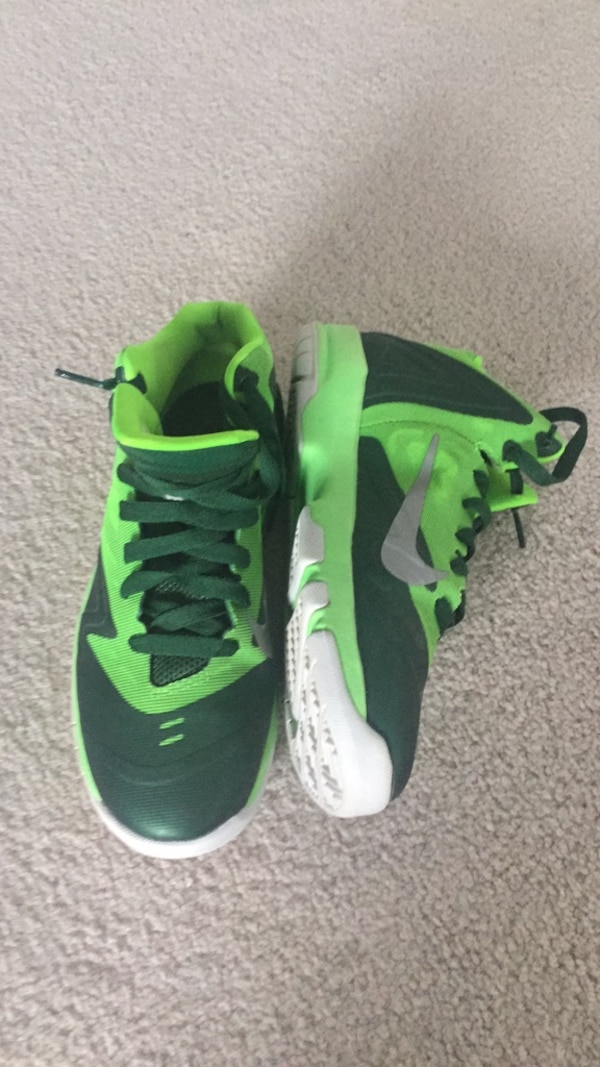 Basketball shoes youth size 5y