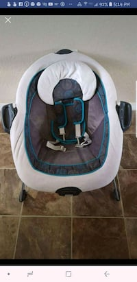 Selling Graco Duet Connect baby swing and bouncer  Bentonville, 72712