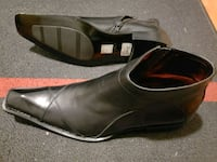 pair of black leather pointed-toe flats Toronto, M1P 3V7