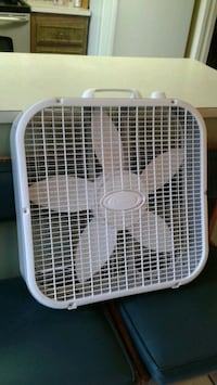 Lasko Box Fan In Great Shape - 3 Speeds Put Out Tons Of Breeze. $20.