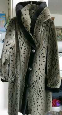 Winter fur long coat, size M-L Toronto, M4P 1G8