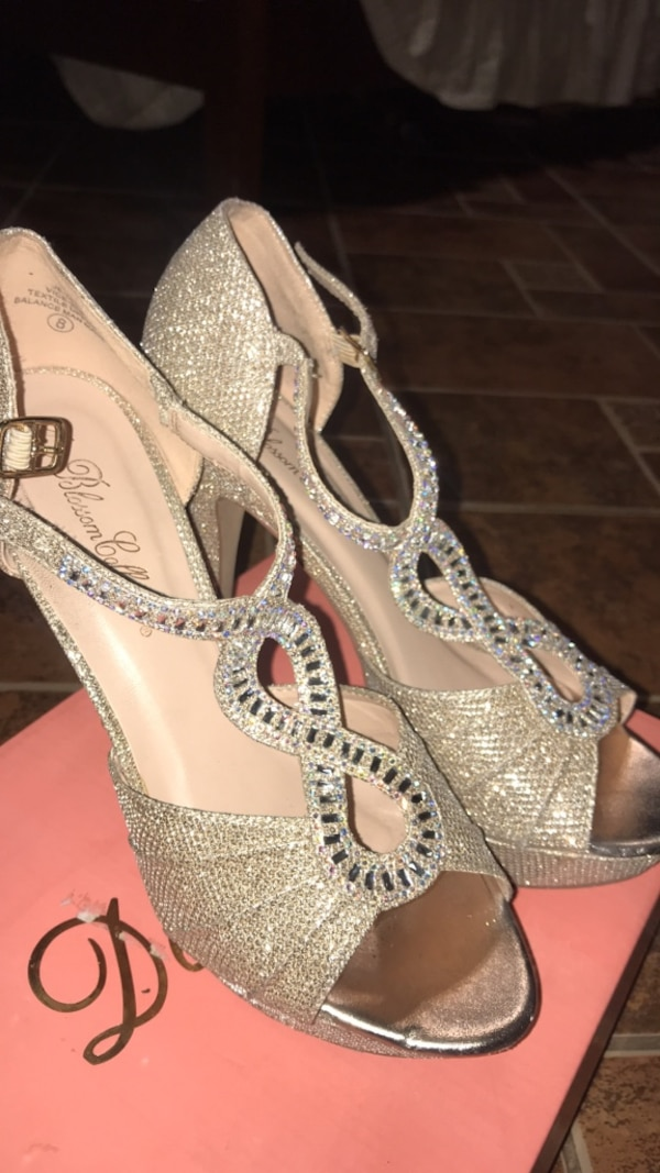 e90382b5178 Used Prom  quinceañera heels for sale in Phoenix - letgo