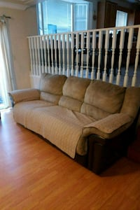 3 piece sofa set Surrey, V4N 2X2