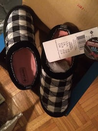 New in Box COLUMBIA CHILD slip on shoes Point Pleasant Beach, 08742