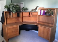 Brown wooden desk with hutch Virginia Beach, 23462