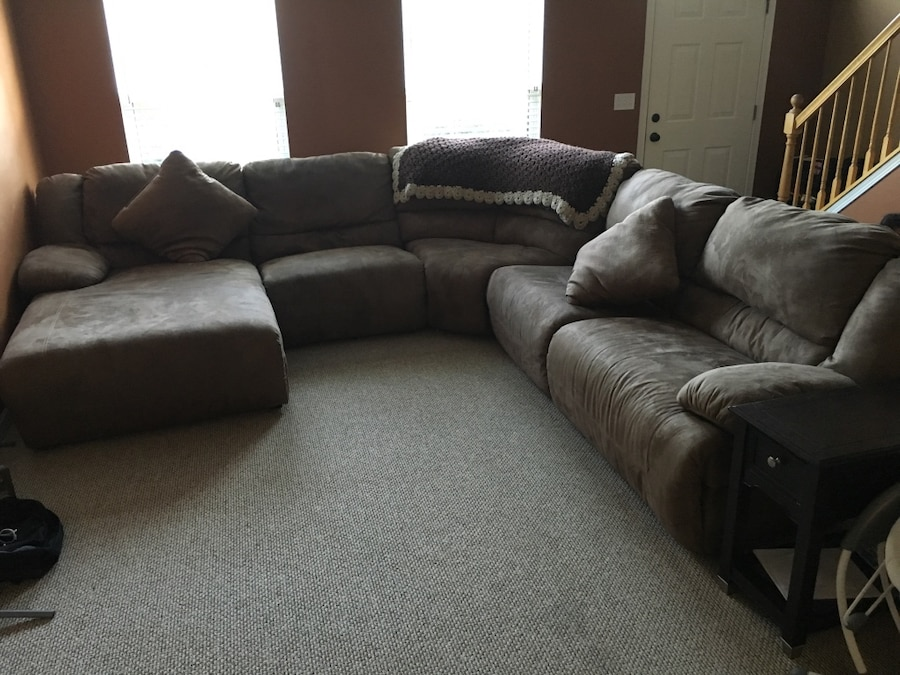 Ashley Furniture Hogan Style Sectional In Joliet Letgo