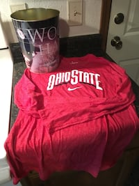 Ohio State stuff- shirt size medium Mishawaka, 46545
