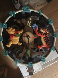 Winnie the Pooh and Tigger clock Arden, 28704