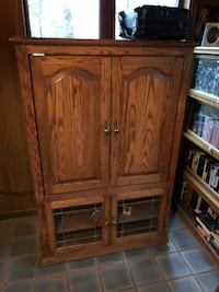 TV Cabinet w/ doors below  13 km