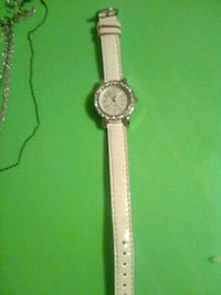 round silver analog watch with white leather strap Conover, 28613