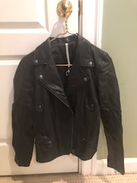 Truth and Pride Black Genuine Real Leather Jacket Women's Size Small Oakton, 22124