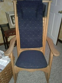 Massaging rocking chair  372 mi