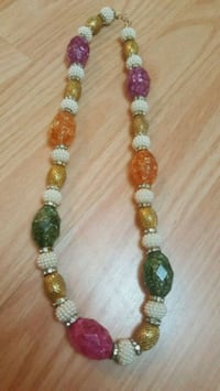 gold and green beaded necklace Brampton, L6Y 5R1