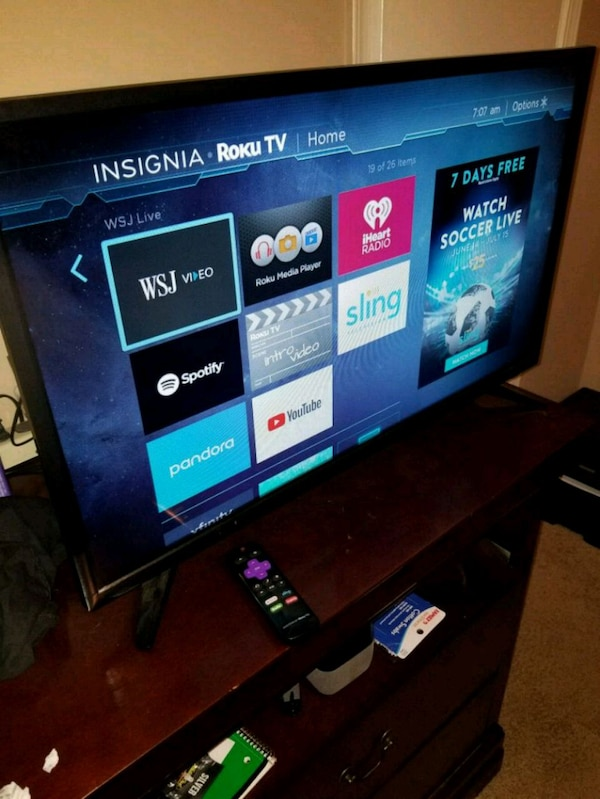 Used Insignia 32 inch smart TV for sale in Norcross - letgo 0b625ee57
