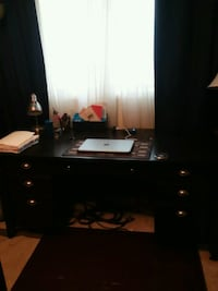 Black desk Woodbridge, 22193