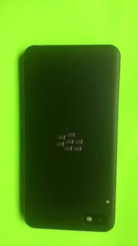 Blackberry Z10 great condition Roger's/ chter