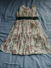 Girl's white and pink floral sleeveless dress 431 mi