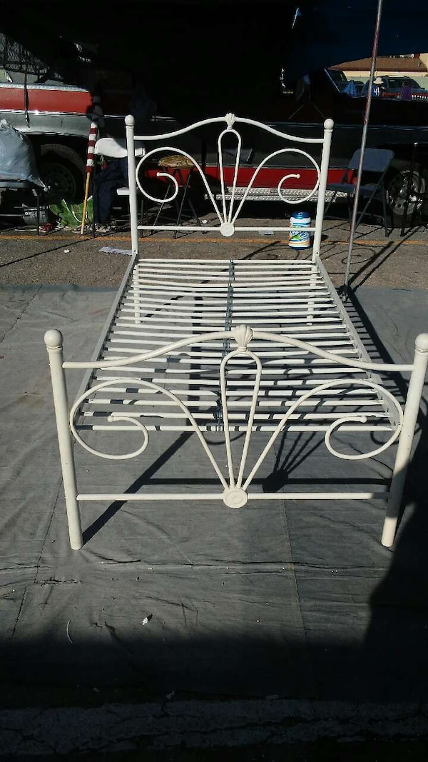white wrought iron bed frame bc2323fd-9111-4cfd-b26f-525d6deb5446