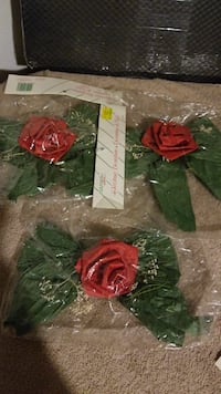 red and green flowers decors