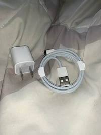 Authentic apple charger (NEW) Richmond Hill, L4E 0E8