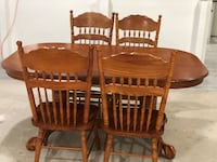 Dining table with 6 chairs . In really good condition . Sherwood Park, T8B