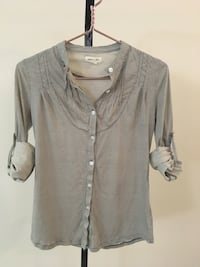 Anthropologie Button Up Shirt Grey Size Extra Small Womens Clothing Tops Edmonton, T6J 2B8