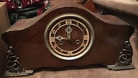 Brown wooden mantle clock works great Toronto