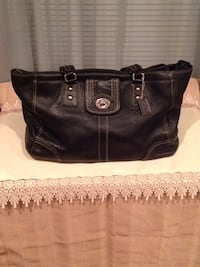 black leather 2-way handbag Temple Hills, 20748