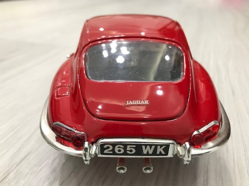 1/18 BURAGO 1961 E JAGUAR MADE IN ITALY 5