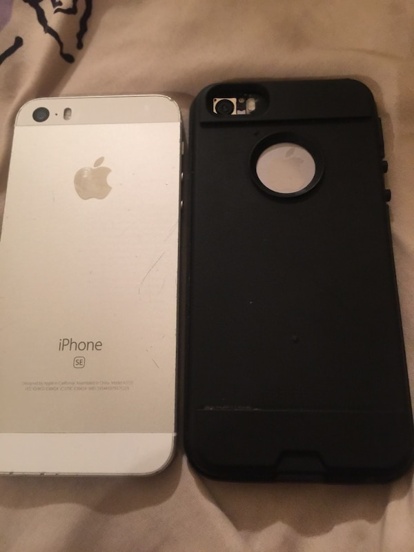 silver iPhone SE and black 5s