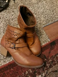 pair of brown leather boots Chesapeake, 23323
