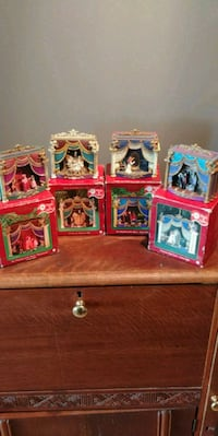 Phantom of the opera ornament set Mississauga, L5B 4M1