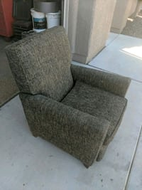 recliner in good condition (non smokers clean) Las Vegas, 89131