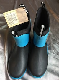 Kids size 3 weather boots Pearl City, 96782