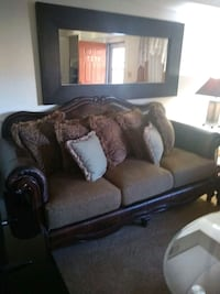 Beautiful Victorian couch set for sale  College Park, 20740