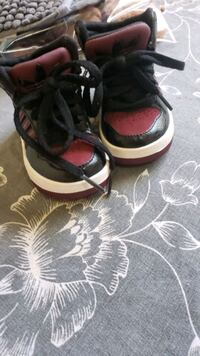 Maroon Adidas baby shoes in good condition Calgary, T2W 0V8
