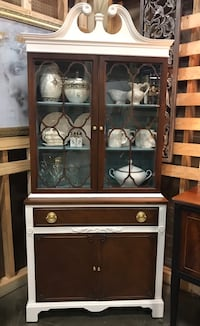 Beautiful refinished buffet China cabinet Mooresville, 28115