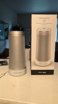 Two white and gray portable speakers Redmond, 98052