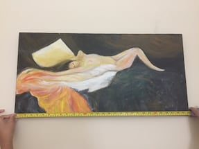 Naked lady painting on canvas