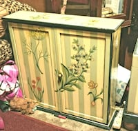 white and green wooden cabinet Panama City, 32404